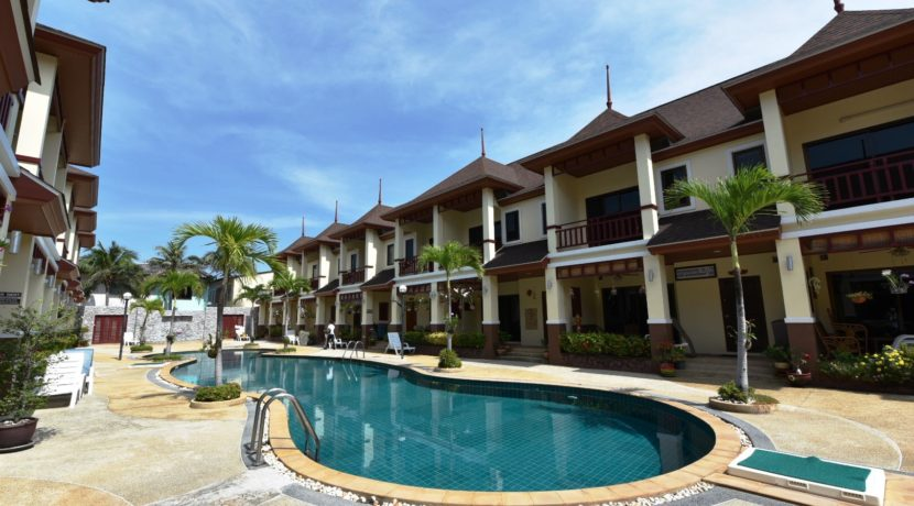 01 Thai Paradise Townhouses in Cha-am