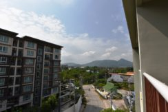 12 Balcony with mountain view