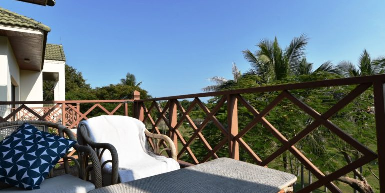 15 Enjoy the landscaped surroundings of condo