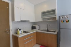 25 Fully fitted open kitchen 2