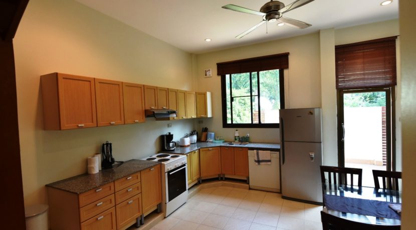 25 Fully fitted well-equipped open kitchen