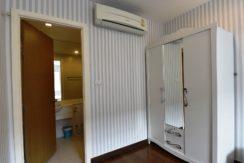 32 Bedroom closets