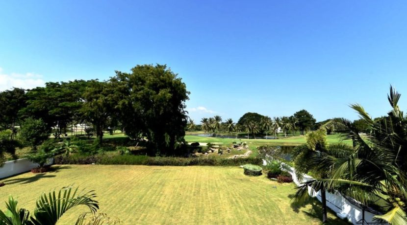 42 Balcony view to the golf course
