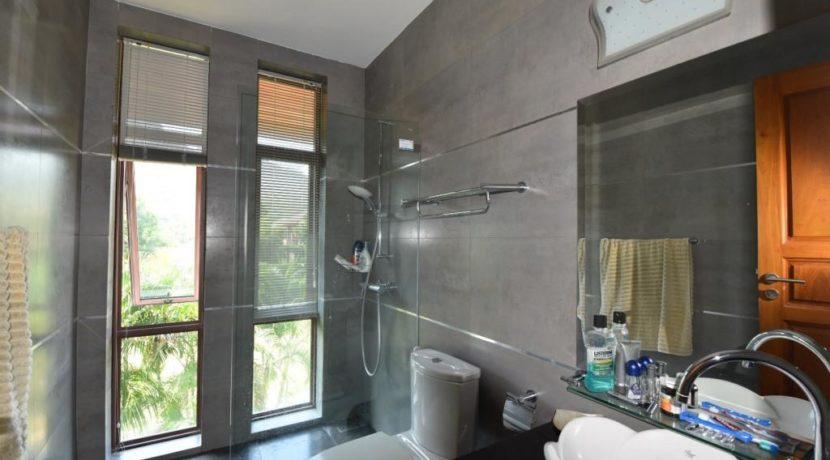 75 Ensuite bathroom#4