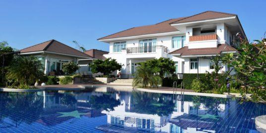 6-Star Luxury Villa near Hua Hin City Center