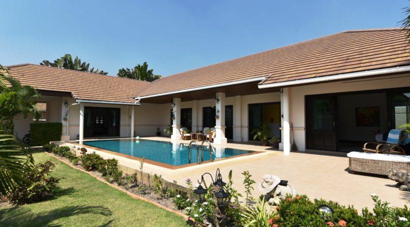 01 Hillside Hamlet3 Bali-style Villa