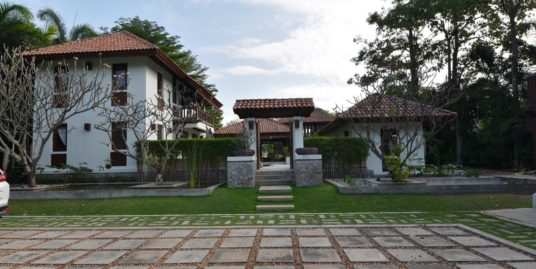 Balinese-style Villa in Hua Hin at Palm Hills Golf Resort