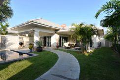 Nice pool villa