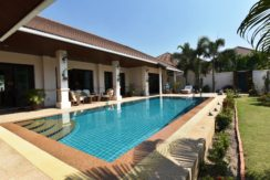 02 Covered patio and 4x10 meter pool
