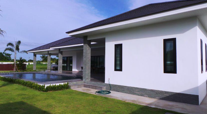 02 Three bedroom pool villa