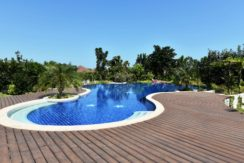 05 Large 180 sqm freeform pool