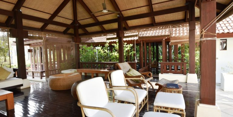 12 Large sala for outdoor living