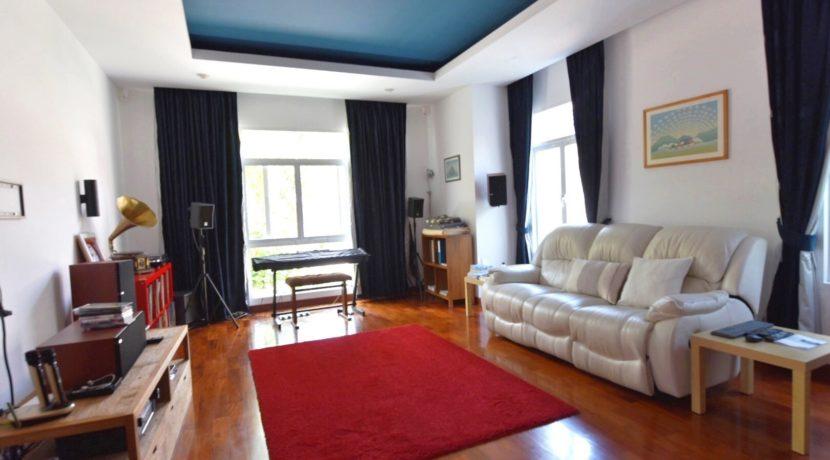 14 Music-studio room