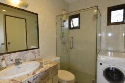 45 Ensuite Bathroom #2