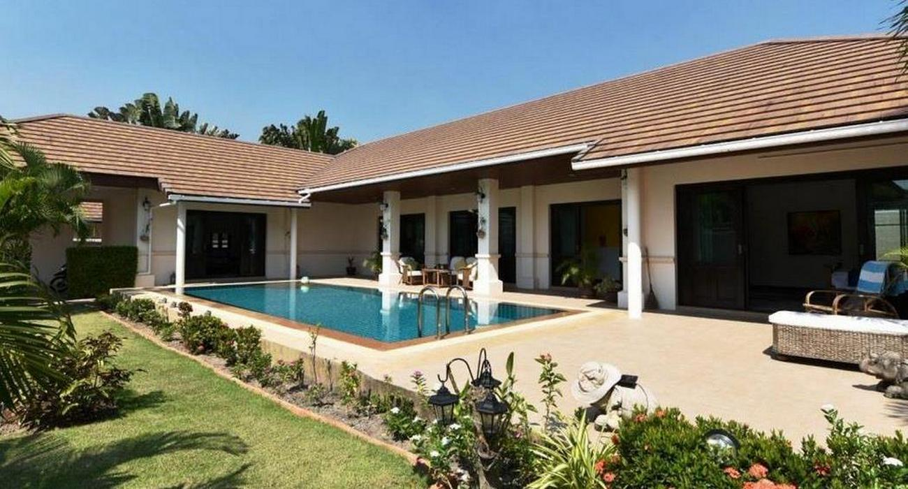 Exclusive Balinese style Pool Villa at Huahin Hillside Hamlet3