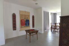 14 Tasteful furniture and decoration