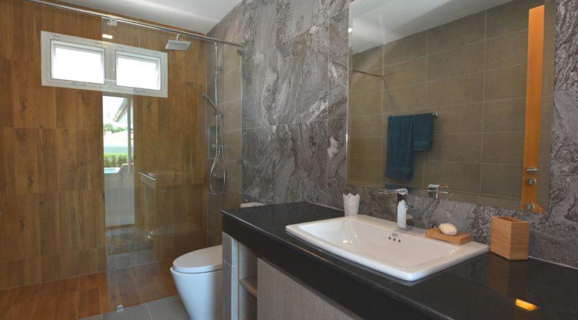45 Bathroom 2 1