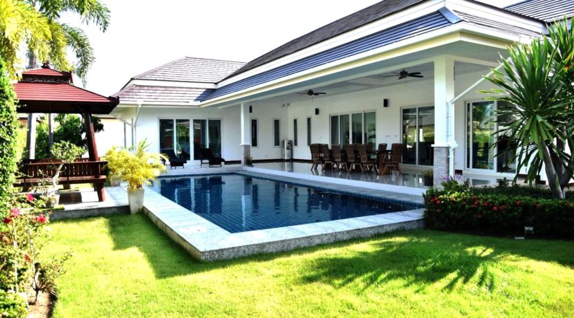 01 Five bedroom pool villa in Hua Hin