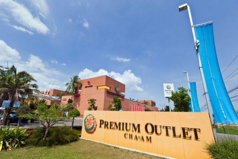 07 Premium Outlet shopping center