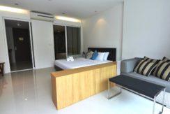 12 Spacious living bedroom
