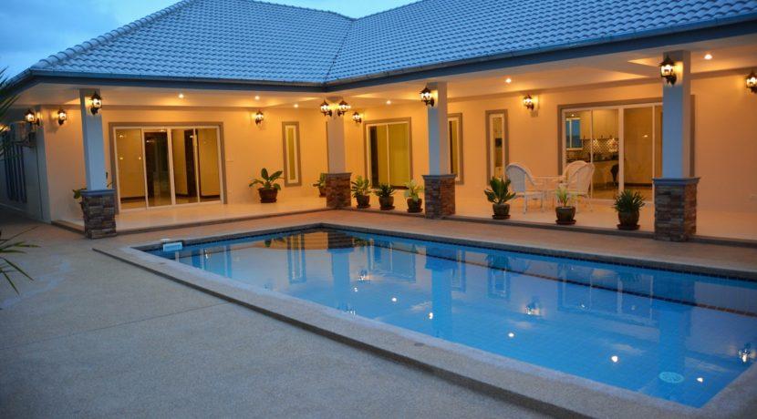 90 The villa with evening illumination