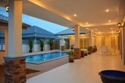 92 The villa with evening illumination