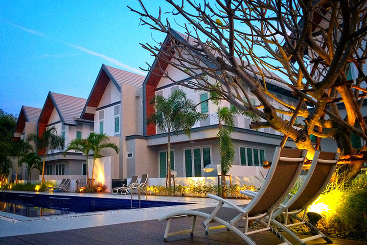 Lifestyle Townhouse near Hua Hin City in Hin Lek Fai