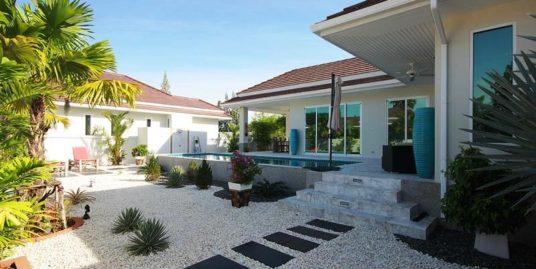 Beautifully finished Hua Hin Villa at Woodlands Residence