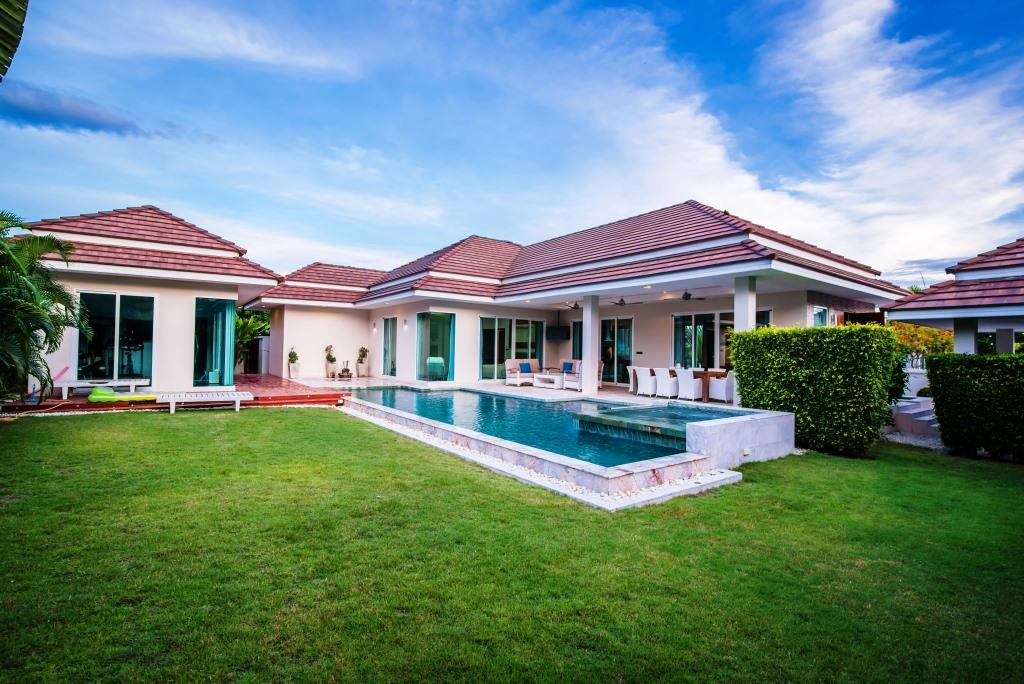 Brand new Pool Villas in Hua Hin at Luxury Home