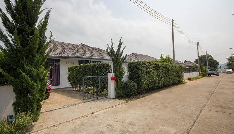 02 Quiet village with 64 Villas near Hua Hin city center