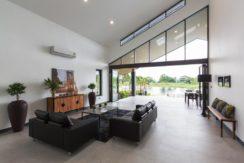 11 Spacious living dining lounge 1
