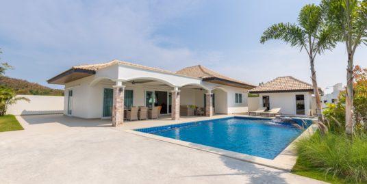 Development with New Luxury Villas near Hua Hin City