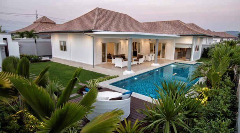 01 Leelawadee 3 Bedroom pool villa