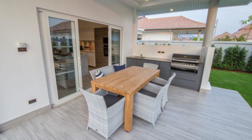 02 Prestige BBQ kitchen at terrace