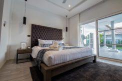 05 Prestige spacious master bedroom