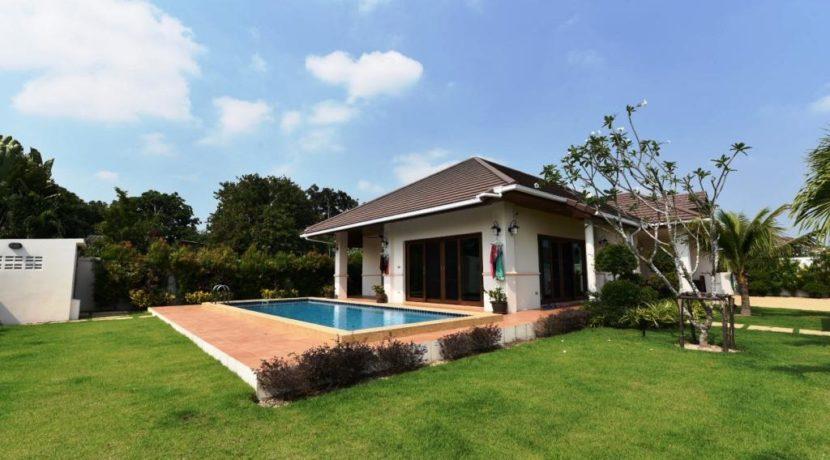 00 Hillside Hamlet pool villa