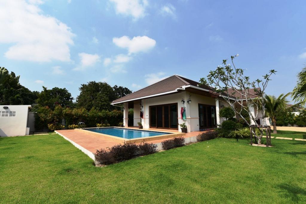 Balinese style Pool Villa in Hua Hin at Hillside Hamlet6