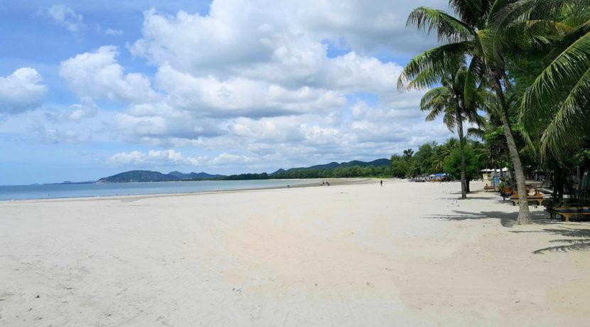 01 Khao Takiab beach southbound