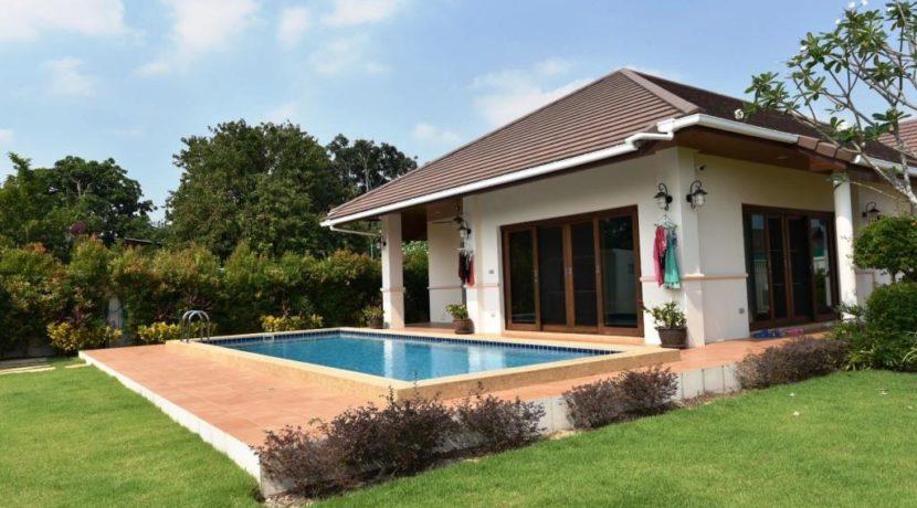 02 Hillside Hamlet pool villa