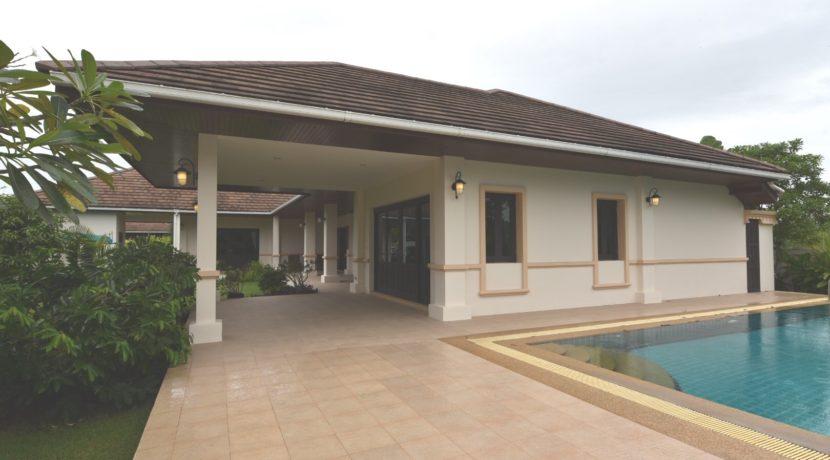 03 Villa facade view from pool