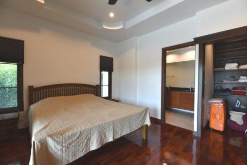 31 Bedroom with walkin wardrobe