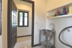 60 Internal utility room (Storage and laundry)