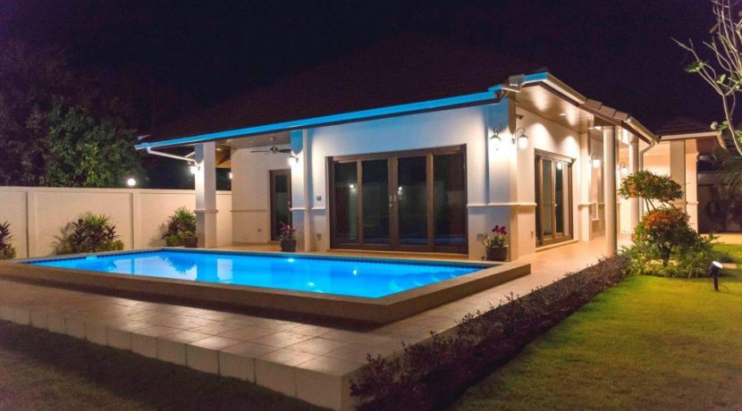 90 Pool with evening illumination