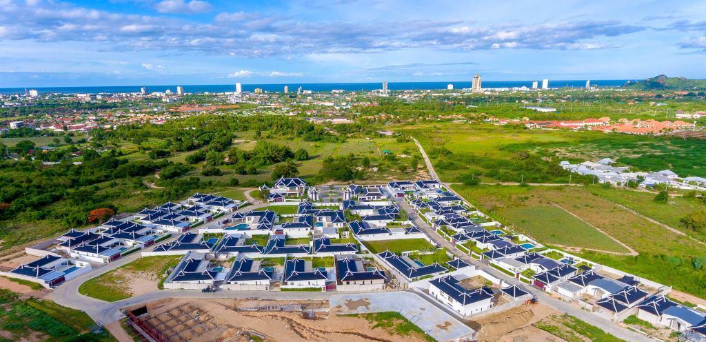 New Luxury Pool Villas in Hua Hin near City & Ocean