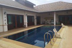 Thai-Bali pool villa