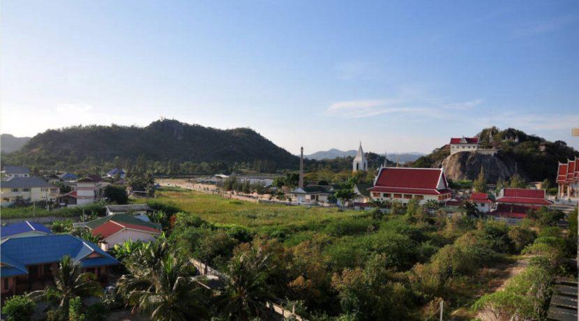 03 Entrance view towards Monkey Mountain