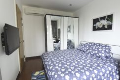 31 Bedroom with TV