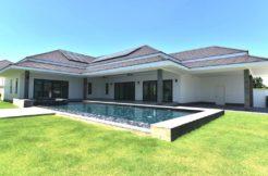 Exceptional pool villa
