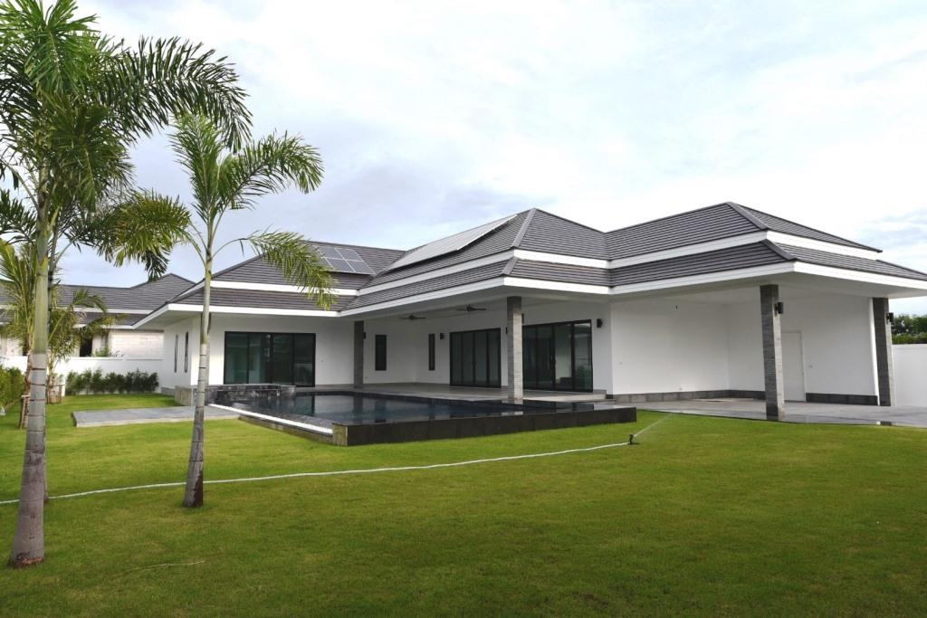 Exceptional Pool Villa in Hua Hin near Palm Hills Golf Resort