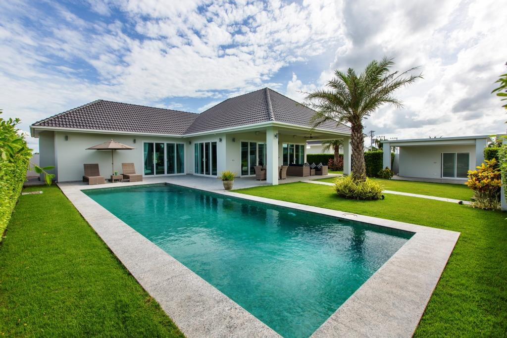 Brand new Luxury Villas in Hua Hin Near Black Mountain